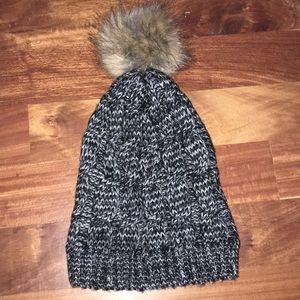Forever 21 Pom Pom hat